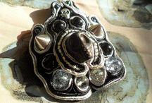 WISIORY ZAWIESZKI Mroczny KUFER SAnSI Rękodzieło Hand Made / http://mrocznykufersansi.blogspot.com/