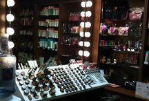 Vanity/make up room