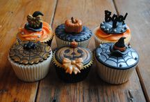 Halloween cupcakes / Cake Crafting has a fantastic range of Halloween themed stencils that are available to purchase from Friday 26 September. Here are some cupcakes that have been decorated using the stencils with coloured lustre powder.  www.cakecrafting.co.uk