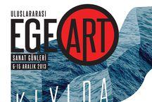 """5. Uluslararası EgeArt Sanat Günleri / Bu yıl 5. si düzenlenen Uluslararası EgeArt Sanat Günleri, 6-15 Aralık tarihleri arasında """"Kıyıda"""" temasıyla eserleri siz sanatseverlerle buluşturuyor.  Ayrıntılı bilgi için, www.egeart.ege.edu.tr    Etkinlik hakkındaki tüm katalog ve program için, www.egebook.ege.edu.tr/egeart.html adreslerini ziyaret edebilirsiniz."""