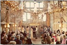 Winter Wedding Inspiration / All the inspiration you need for your winter wedding: bouquet, decor, dress, accessories, venue