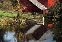 Barns / by Heidi Pyron Adams