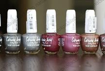 Nail polish / Holos