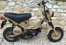 """Bultaco Bandido by Gilles Escuyer / 1979 : The Bultaco engineers work in the greatest secrecy to develop a model for parachustists of the Spanish army. Thus the """"Desert Bandido"""" was born equipping armies all over the world. But the evil spies of Yamaha stole the plans... for Chappy.  Only one Bandido remains today, snug in the collection of Pierre and Gilles Escuyer ...."""