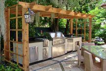 Outdoor Kitchens We Love