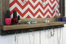 shelves & jewelry  organization / by Amy Barrett Perieda