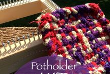 Potholder Loom / Wooden Potholder looms for weaving your very own gifts!