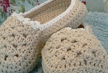 CROCHET ZAPATILLAS y CALCETINES