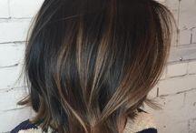 Hnědé vlasy