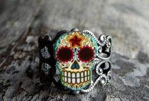 Jewelry / by Veronica Velasquez