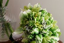 Wild at Heart - Natural Organic Wedding Bouquets / From field to aisle, green is the color of nature. #bermudabride #bermuda #flowers #wedding #bouquets #green