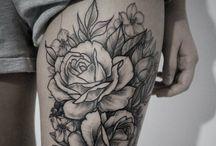 Tatuaggi sulla coscia