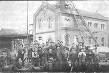 Důl Ziegler / Nýřany. Důl Ziegler / Ziegler Schacht. Otevřen v r.1874, v letech 1917-20 přestavěn na muniční továrnu Škoda. Od r. 1958 továrna Tesla na výrobu el. součástí.