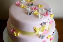 Cakes/cupcakes / by Danielle Rankin