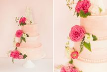 Wedding Cake + Sweets / Inspiration for wedding cakes and sweets.