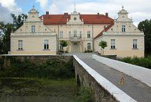 Kondratowice - Pałac / Pałac w Kondratowicach został wzniesiony w I połowie XVIII w, częściowo zmodernizowany w XIX w, remontowany w 1973, przebudowany w latach 1978-1979 r. Obecnie - własność prywatna.