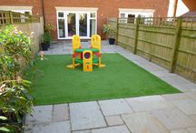 Artificial Grass Inspiration / Thinking of having artificial grass in your garden? See some designs and ideas here to help you choose your perfect garden layout.