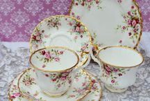 cups and serviettes