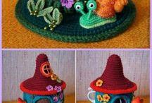 Crochet hauses/dolls