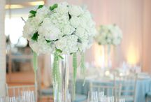 Wedding theme: classic white / Absolutely classic! Perfect for any venue.