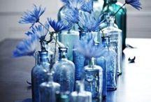 Стекло в интерьере и рукоделии - Glass in the interior - / Как удивительно красиво смотрится стекло в различных вариациях, отдельную тему можно выделить бутылкам и банкам. Сами по себе винтажные и новые, бывшие в употреблении, стеклянные емкости и сосуды могут послужить великолепным декоративным акцентом в интерьере в стиле бохо, прованс или рустик. Для этого требуется некоторое количество бутылок разного объема и цвета, хороший вкус и аккуратность - ведь бутылки должны выглядеть не просящимися в мусорную корзину, а красивым и стильным акцентом.