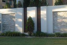 Retaining walls boundary