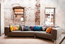 Bert Plantagie | Van Oort Interieurs / Bert Plantagie is een Nederlands designmerk met een tijdloze collectie aan banken, fauteuils, stoelen en tafels, kasten en dressoirs. De collectie bestaat uit eigentijdse meubelen met een begrijpelijk design, bereikbaar maatwerk en toepasbaar in ieder interieur.