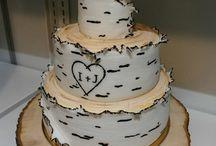 Svatební dorty na přání / Vytvoříme nejen dorty, které máme běžně v nabídce, ale také téměř cokoli si zákazník přeje.
