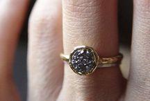 JWLRY / Lil' piece of jewelry
