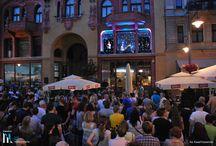 TEATR INACZEJ - W ŚWIETLE OKIEN / Cykl koncertów z udziałem artystów Teatru Muzycznego. Więcej: http://lightmovefestival.pl/wakacyjna-seria-koncertow-swietle-okien/