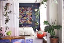 decorating small spaces / by Elaine Pendergraft