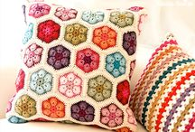 29Crochet: pillows / patterns, tutorials and inspiration of crochet pillows and assembly pad backing, little squares to make putetrekk med