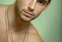 Bernardo Velasco (Mason Noah)