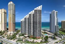 SURROUNDINGS / Located in the exclusive Sunny Isles Beach neighborhood, Aurora condo will surround you with the best of South Florida living allures.