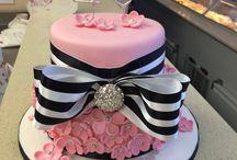 X Cakes by Hana X