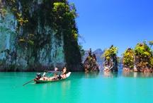 """Khao Lak / Khao Lak, 80 km nördlich von Phuket, war ursprünglich der Ausgangsort für Tauchsafaris zu den Similan Inseln. Heute  ist es eine aufstrebende Touristenregion mit idealen Bedingungen für entspannten  Familienurlaub. Die ruhige und natürliche Atmosphäre bietet einen angenehmen Gegensatz zu vielen anderen Reisezielen in Thailand, wie Phuket oder Koh Samui. Aber die Region hat noch viel mehr zu bieten als """"nur"""" feine Sandstrände unter Kokospalmen. http://www.kombiurlaub.eu/thailand"""
