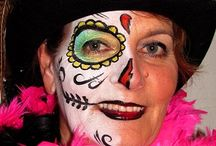 Kitty's sugarsculls / My face paint of the day of the dead sculls from Mexico. To honor the people who left this world.