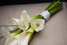 Classic ivorys and whites wedding bouquets / All gorgeous designs by Gorgeous Floral Design