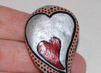 Sassi love / Dipinti con cuori e amore