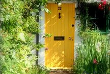 Doors / by Stephanie Gibson