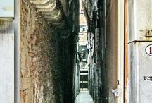 Serenissima Venezia / Venice Under The Mask