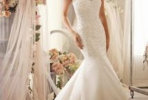 Wedding dresses / by Christina Flores