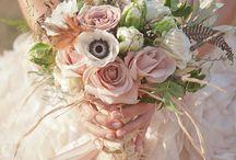 Brautstrauß und Blumendeko