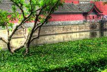 Beijing (Peking) - Kina / Beijing. Trevlig upplevelse. Mycket buss och mycket trafik. Framför allt mycket folk.