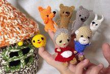 вязание пальчиковых игрушек.