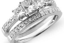 Wedding rings / by Ali Teats