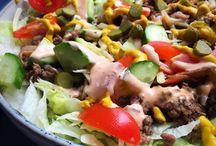 Salater med kød.