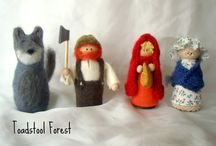 peg dolls and other small dolls