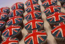 Cakes & CupCakes / by Thais Gisele