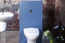 Vägghängd toalett / En vägghängd toalett ska vara enkel att hålla ren samtidigt som den ska hålla länge. Gustavsberg har därför valt att lägga mycket tid och energi på porslinskvalitet, snygg design och funktion som underlättar städningen. Våra vägghängda toaletter med Hygienic Flush erbjuder med sin innovativa design och praktiska funktioner en smartare spolning och förenklad renhållning.